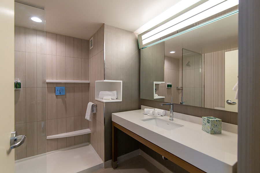 Courtyard by Marriott McHenry Row Baltimore Bathroom